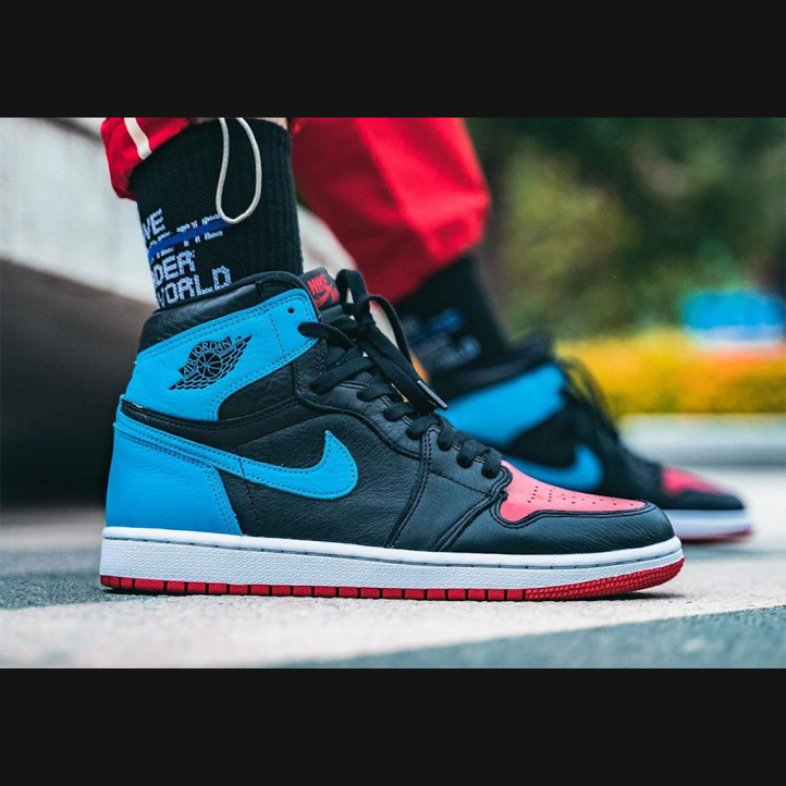 "Nike Air Jordan 1 Retro  ""UNC To Chicago"""