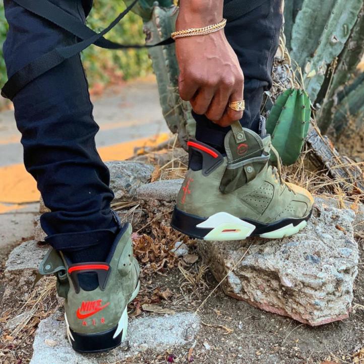 Nike Air Jordan Retro 6 x Travis Scott